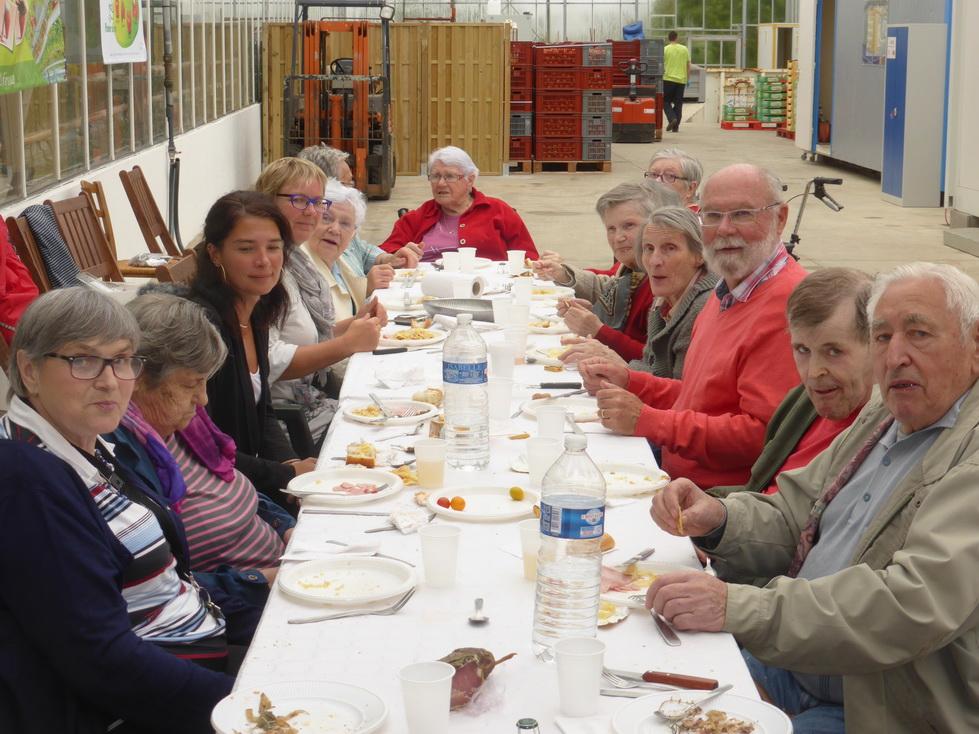 Pique-nique et visite de la résidence Jacques Brel de Guipavas le 24 août 2015
